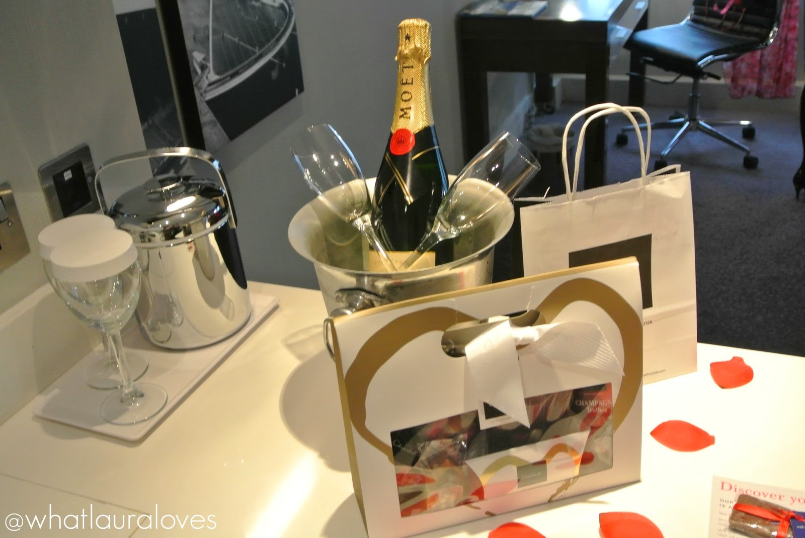 Im Hotel What laura loves: valentines day package at the sandman <b></b>
