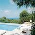 Buen fin de semana: junto a la piscinaHave a lovely weekend: by the pool