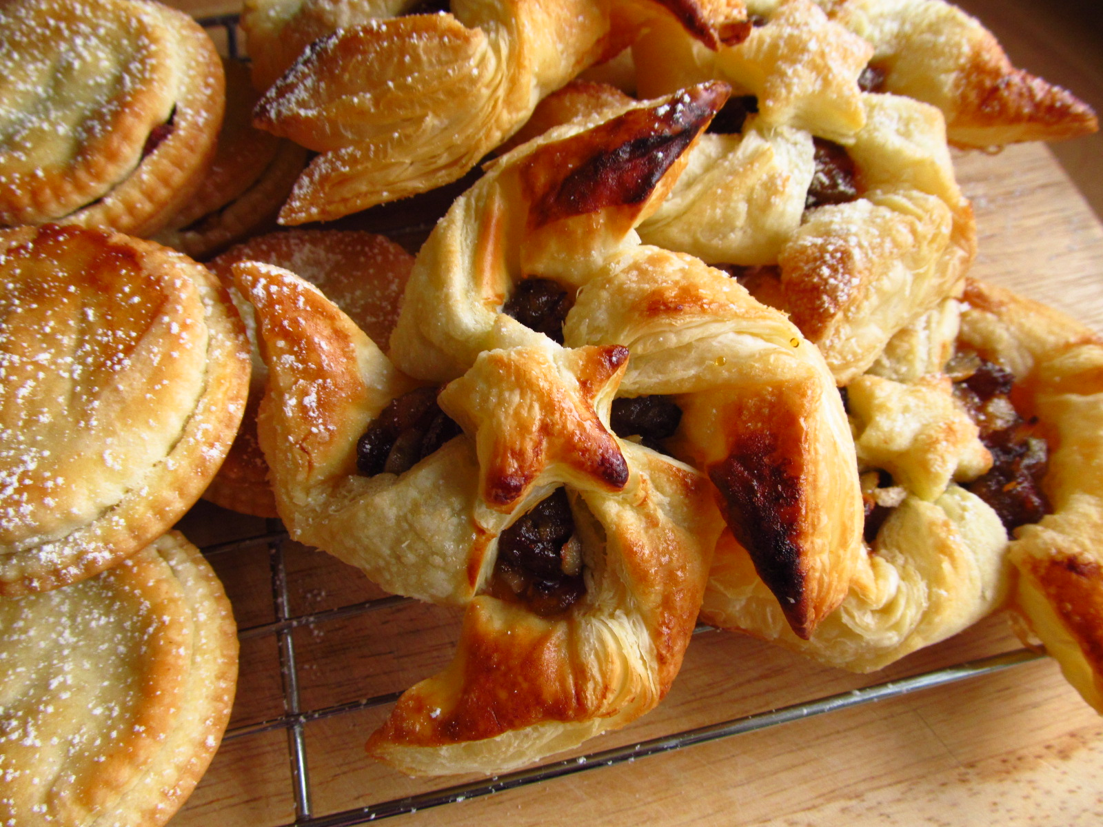 Good food shared lorraine pascales last minute mince pies lorraine pascales last minute mince pies forumfinder Images