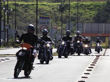 Esquentando os pneus para o curso de pilotagem defensiva promovido pela Porto Seguro Seguros.