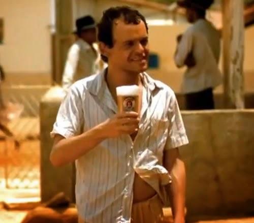 Propaganda da Cerveja Antártica com o ator Matheus Nachtergaele, em 2001.