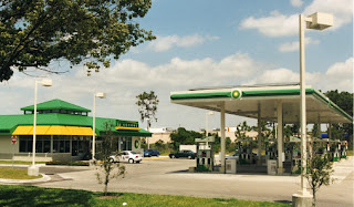 A BP station with solar panels in Eustis, FL in 2002
