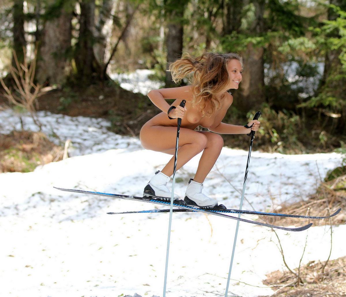 Фото голая на лыжах 15 фотография