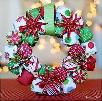 Guirlanda de Natal com caixinhas de presente