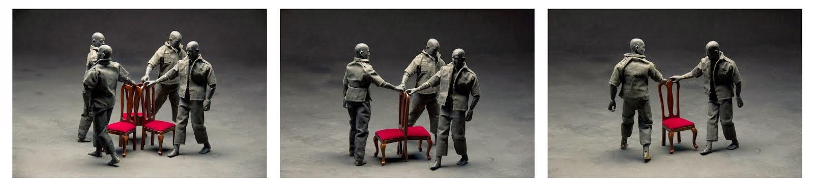 """""""el juego de la silla"""" el hombre gris 2012"""