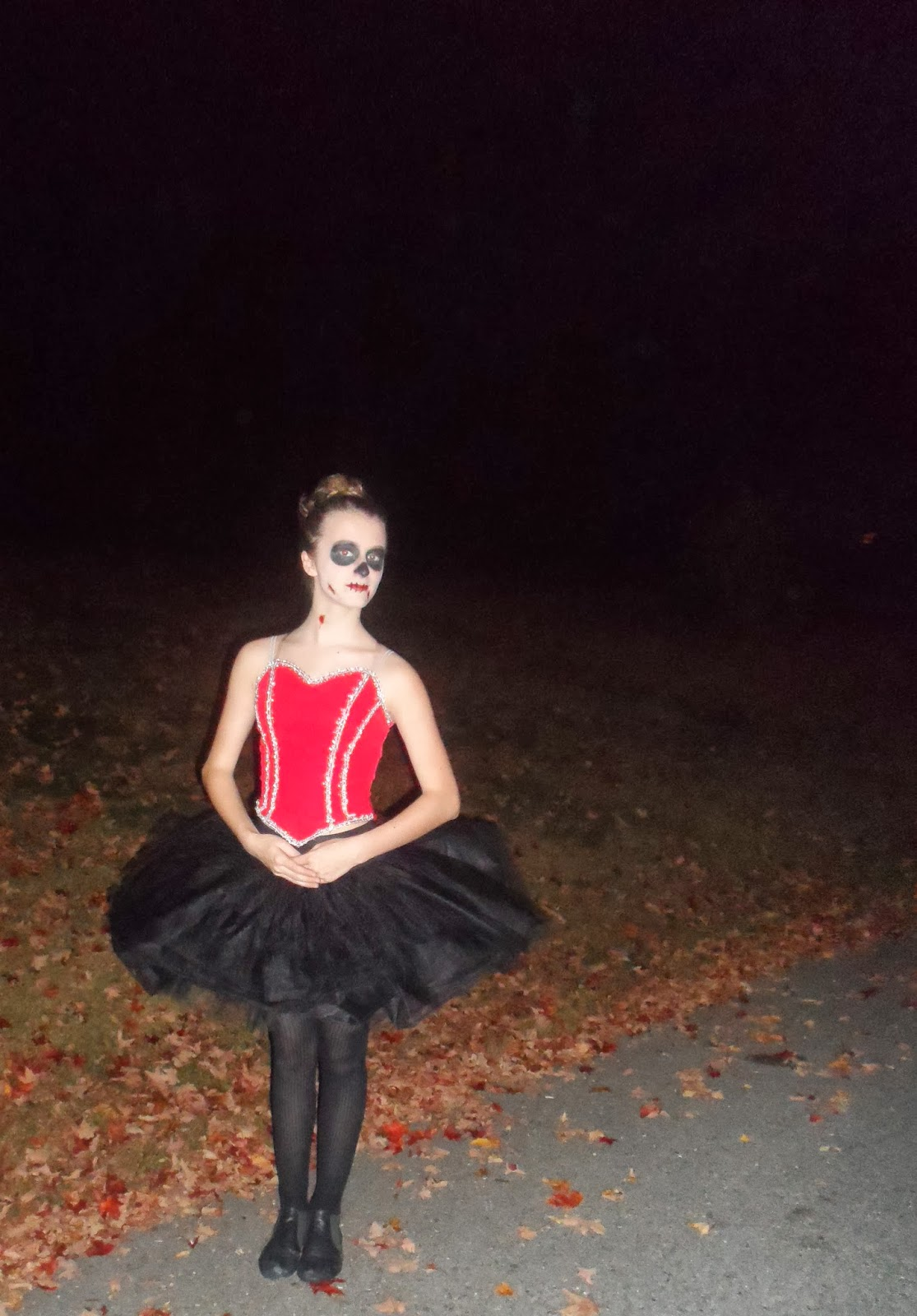 ive never been a girl to turn towards short tight costumes every year i have to be dramatic and some could say glamorous with a twist - Dead Ballerina Halloween Costume