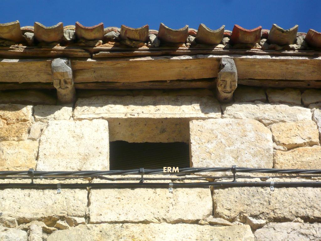 Memorias de burgos ventanas de manciles for Dintel de madera