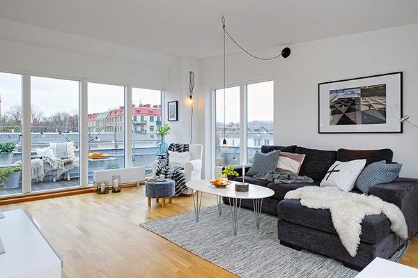 Decoraci n inexperta gris sobre gris Sofas grises decoracion