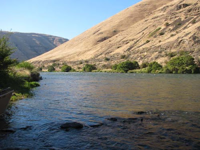 Deschutes River Canyon in Oregon's high desert plateau