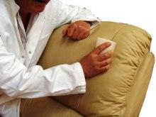 como hidratar sofá de pele