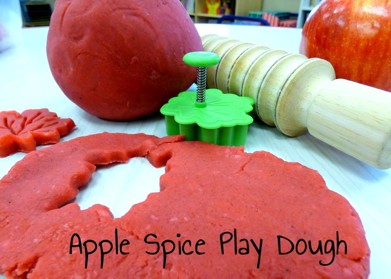 apple play dough, scented play dough, apple pie play dough, fall play dough, homemade play dough, fall crafts for kids