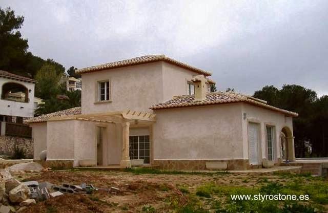 Residencia de dos plantas construida con Styro Stone en España
