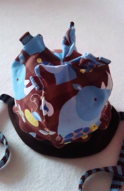 """Nichts-Halbes-Nichts-Ganzes-Mütze aus """"Rhinoboy"""""""