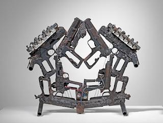 Armas de Fuego Reutilizadas, Violencia Convertida en Arte