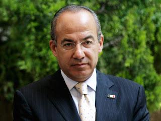 Muere ministro mexicano y otras 7 personas al caer helicóptero