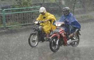 5 Hal Pada Motor Yang Harus di Cek Saat Musim Hujan
