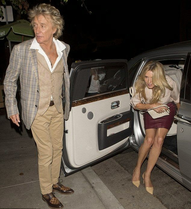 The rocker and her wife, 43, were snapped to strolling out for a romantic dinner together at Il Piccolino restaurant in West Hollywood, USA on Wednesday, October 29, 2014.