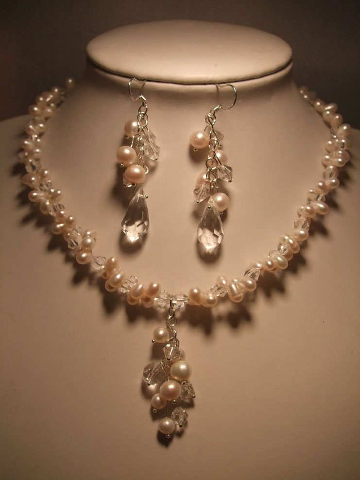 Imitation Jewellery World Artificial Necklace Set