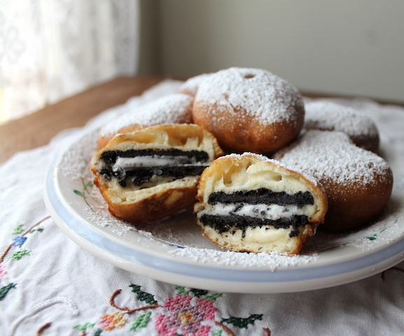 Food Lust People Love: Deep-fried Oreos - Guest post for Noshing with ...