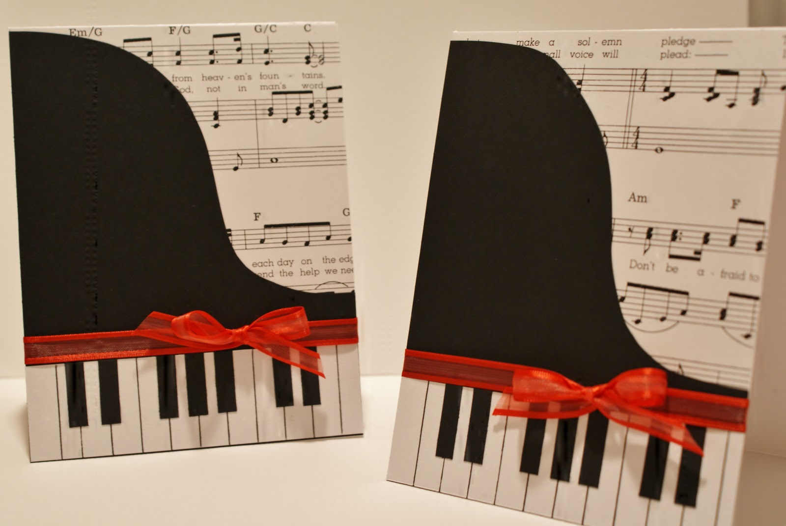 i hold all the cards papercraft planet feature piano card. Black Bedroom Furniture Sets. Home Design Ideas