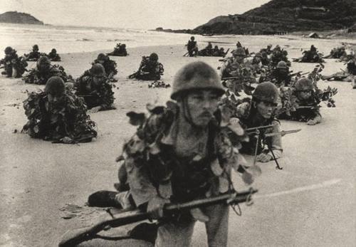 Tentera Jepun Div. ke 5, mendarat di Singora, Thailand pada 8 Disember 1941