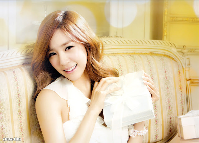 SNSD Tiffany Calendar 2013 wallpaper
