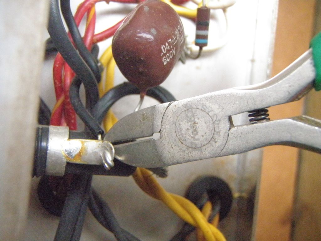 Doing A 3 Wire Mains Cable Conversion On Vintage Silvertone 1481 1457 Wiring Diagram Ok Thats It Out Amazing To Think This Could Quite Literally Kill You
