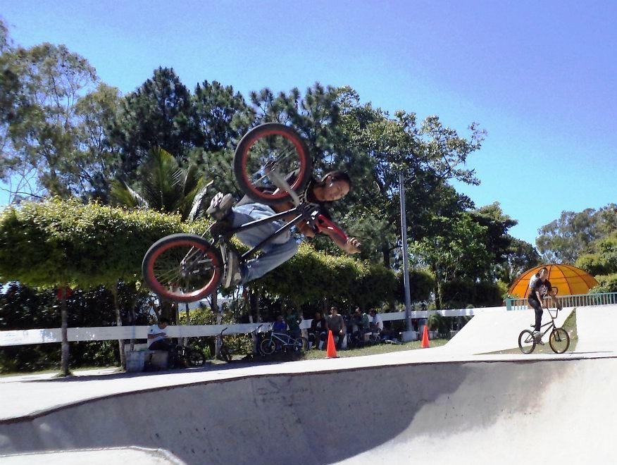 CICLISMO TOTAL: BMX Internacional el próximo domingo en Jardines del ...