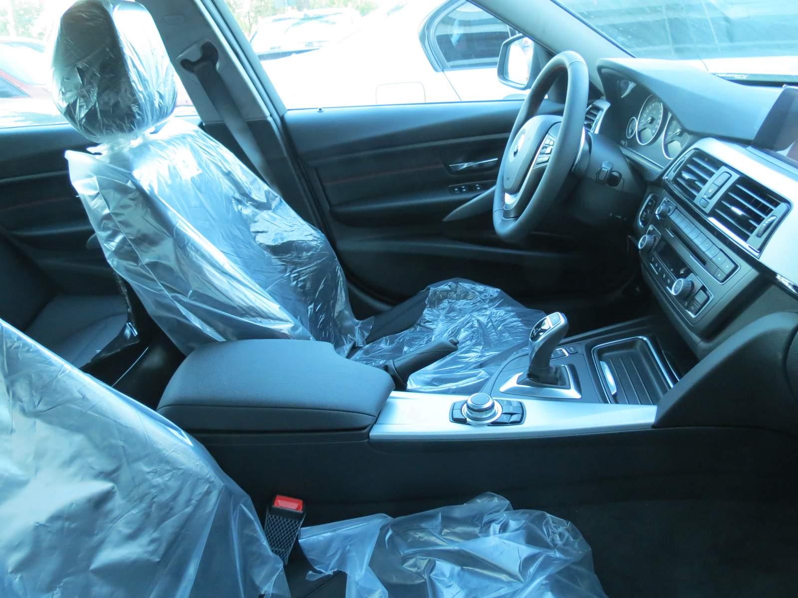 BMW Série 3 x Audi A4 x Mercedes Classe C - interior