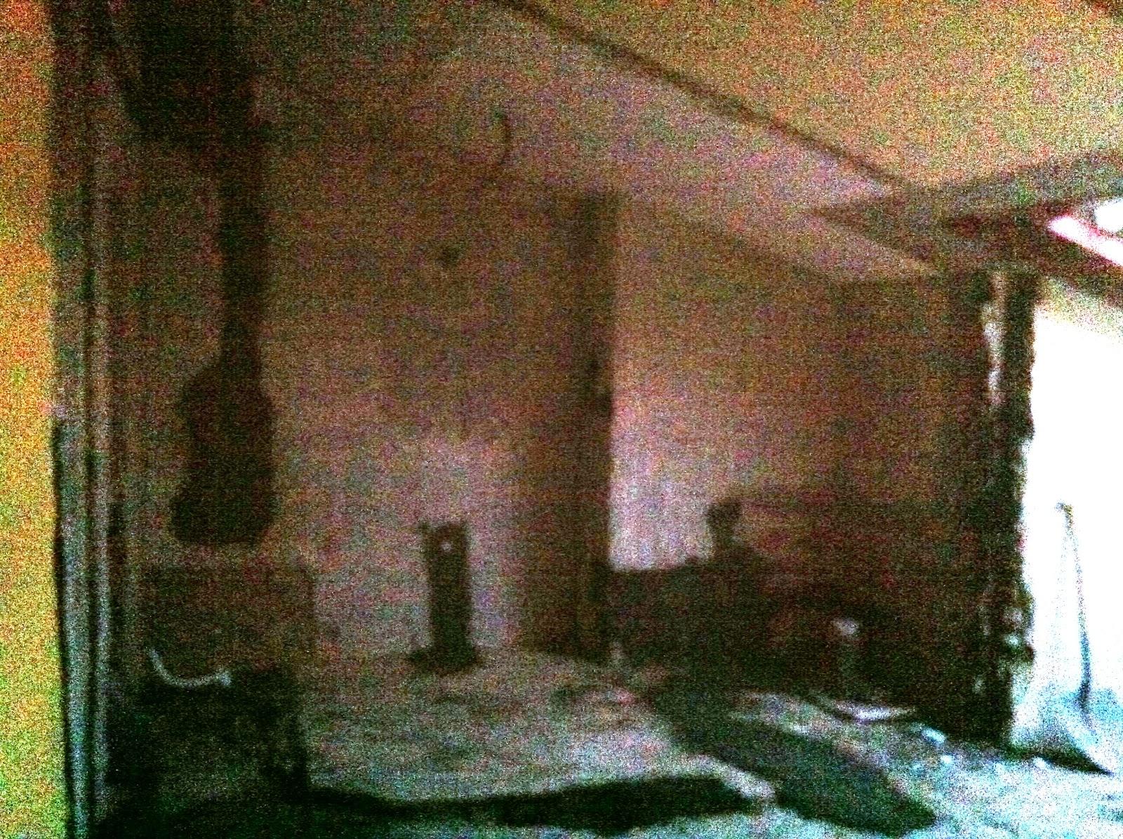 Roomyshowroom hacer un ba o en un espacio oscuro e interior - Bano sin ventilacion ...