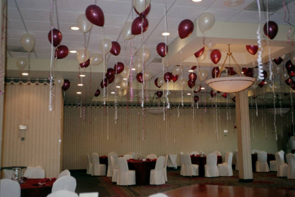 The best wedding decorations great wedding balloon for Cheap decorating ideas for wedding reception tables