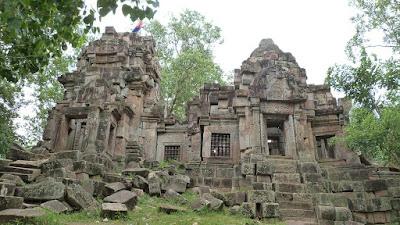 temple-wat-ek-phnom-battambang