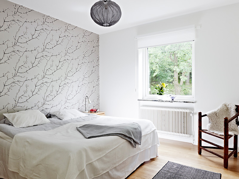 Feature Wall Light Grey : THIS OR THAT: BEDROOM WALLPAPER! COCOCOZY