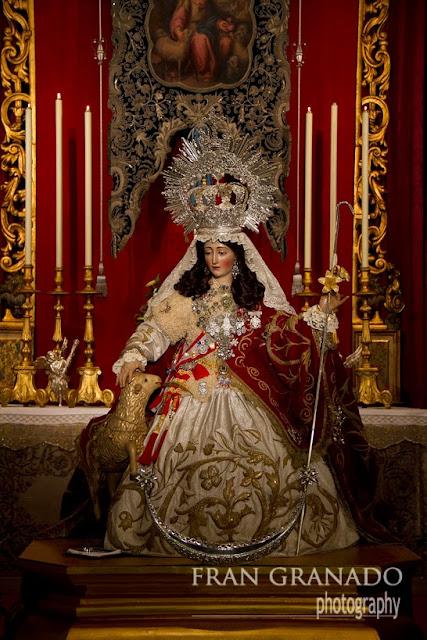 http://franciscogranadopatero35.blogspot.com/2013/12/besamanos-cargado-de-peticiones-el-de.html
