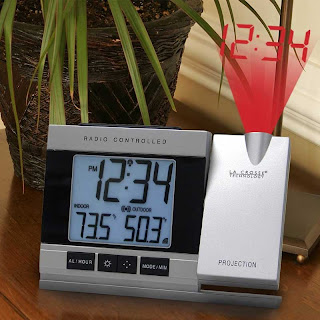 La-crosse-technology-projection-atomic-alarm-clock