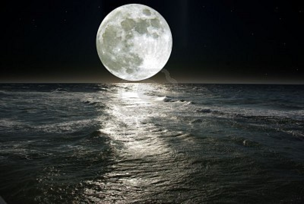 5100026-moon-and-his-reflection-in-water.jpg