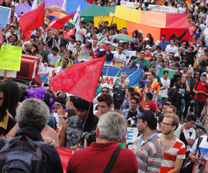LGBTs marcham em Braslia contra a homofobia (Foto: Hernanny Queiroz/Gay1)