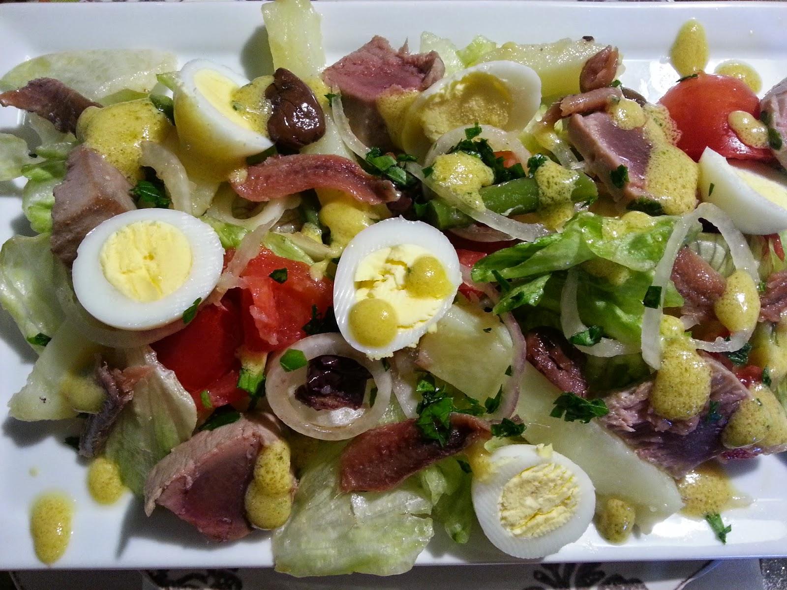 Fatemi cucinare insalata alla nizzarda con tonno fresco - Cucinare tonno fresco ...
