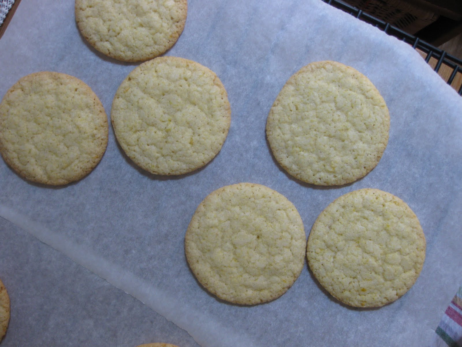 Sunday Treats: Lemon Cornmeal Cookies