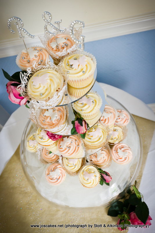 Jo\'s Cakes: Vintage Style Butterfly Cupcakes for a Wedding