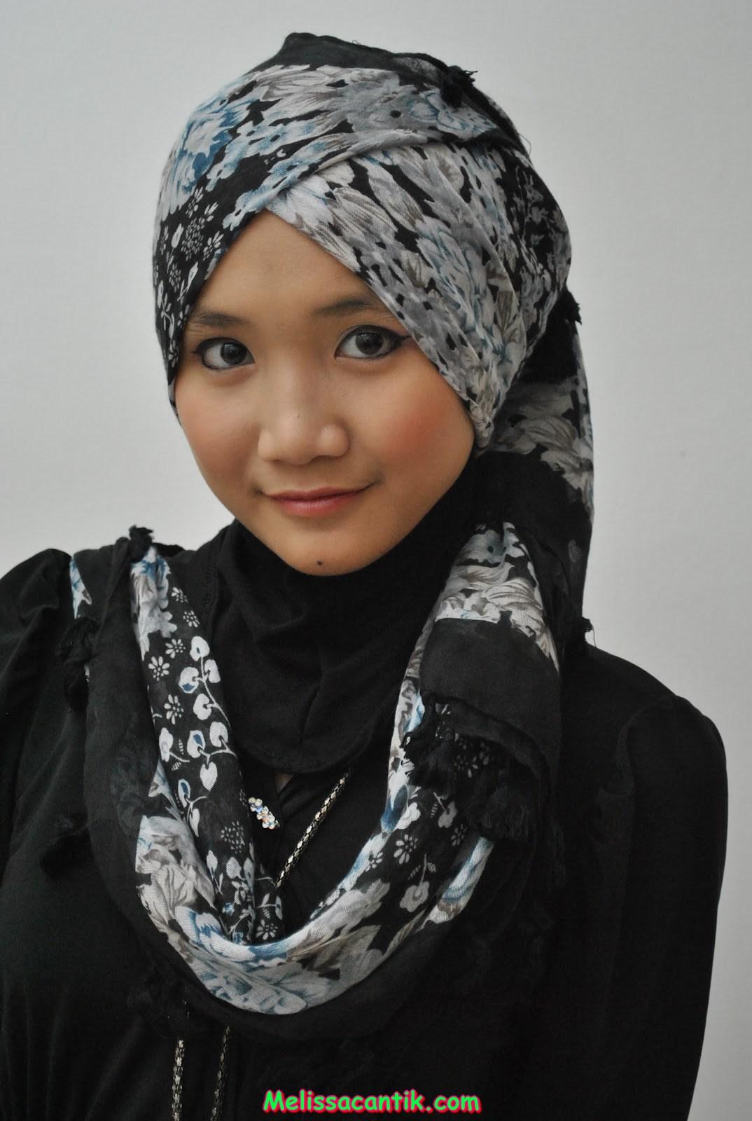 namanya. Lanjutan dari Foto Model Jilbab Cantik Part 1 Doi punya