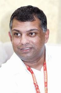 tony fernandes leadership skills Tony fernandes leadership style  many managers without leadership skills  turn out to be good leaders once they gain some experiences if you have the.