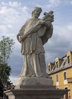 Nepomuki Szent János szobrok