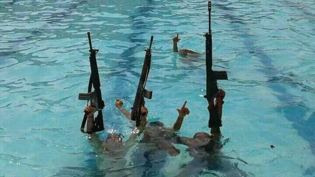 Traficantes do Rio treinam para Olimpíadas em piscina da Vila Olímpica