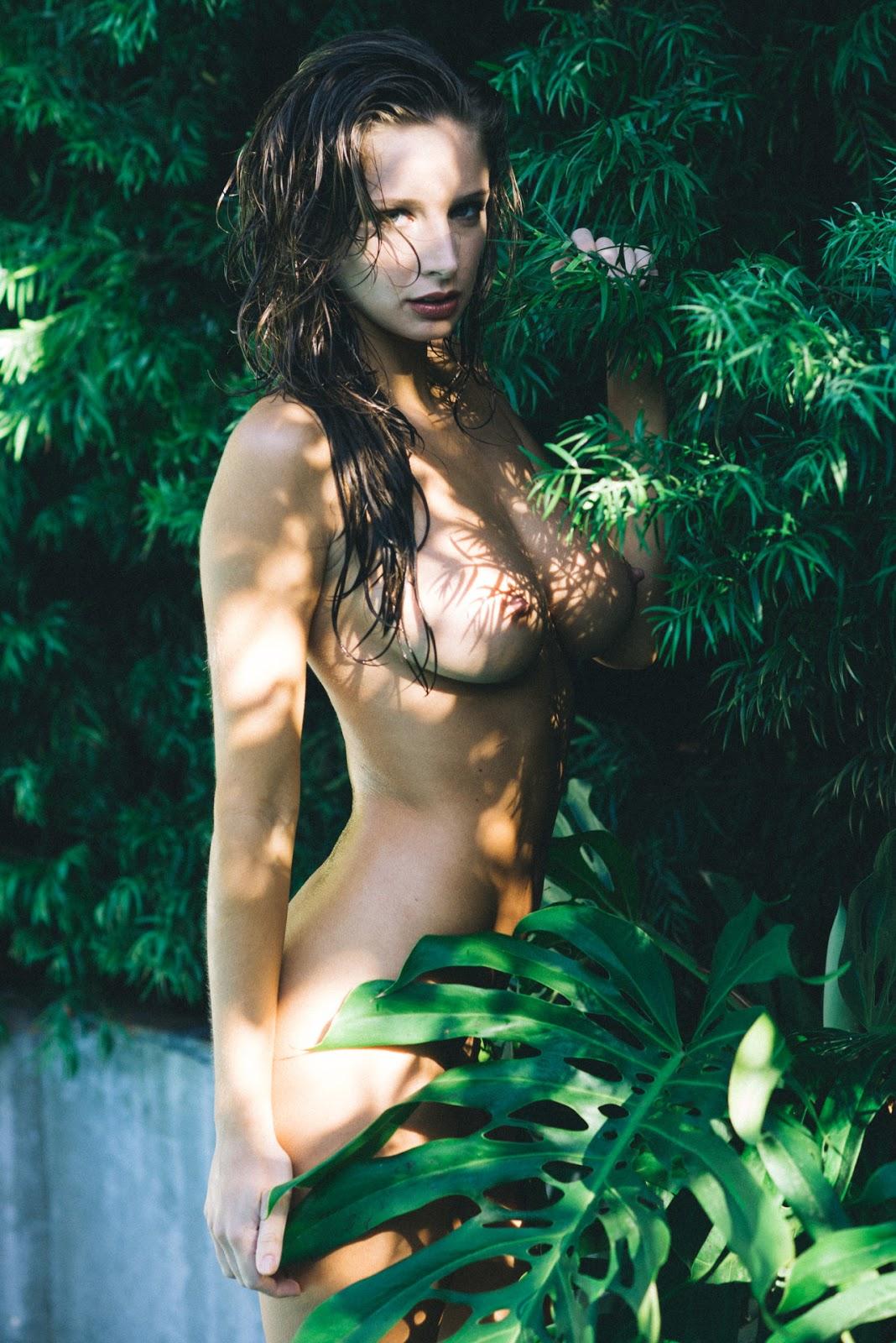 emily shaw nude
