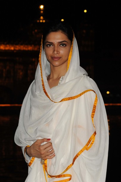 deepika at the golden temple photo gallery