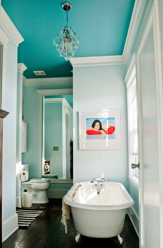 how to decorate a bathroom blue