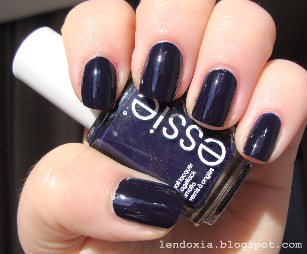 essie After school boy blazer lak za nokte
