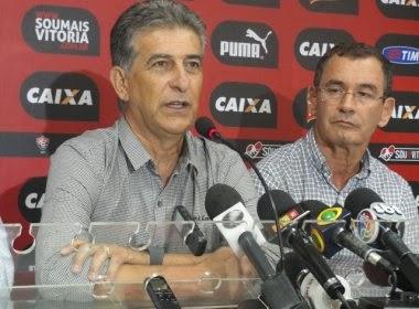 Ricardo Drubskcy é apresentado no Vitória