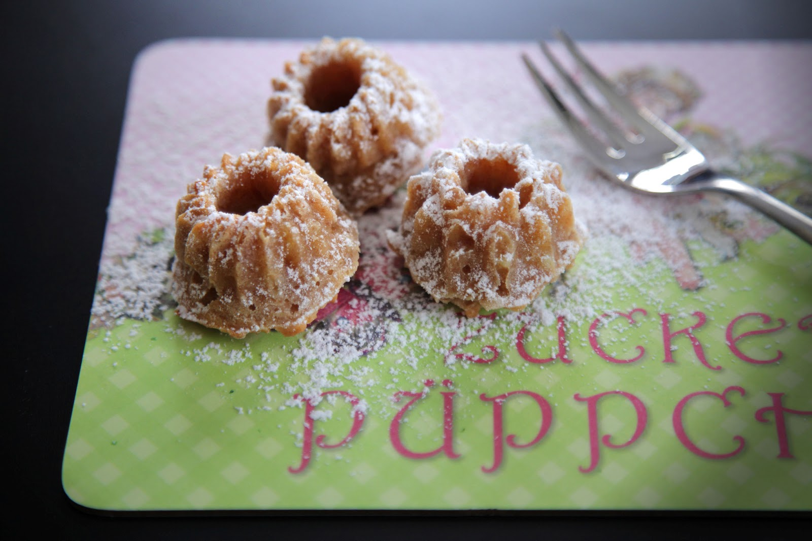 Apfel-Mandel-Minigugl